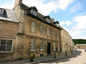 Picture of the former offices of Messrs Mullings, Ellet and Co, of Cirencester