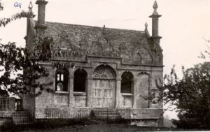 Photo of surviving banqueting hall