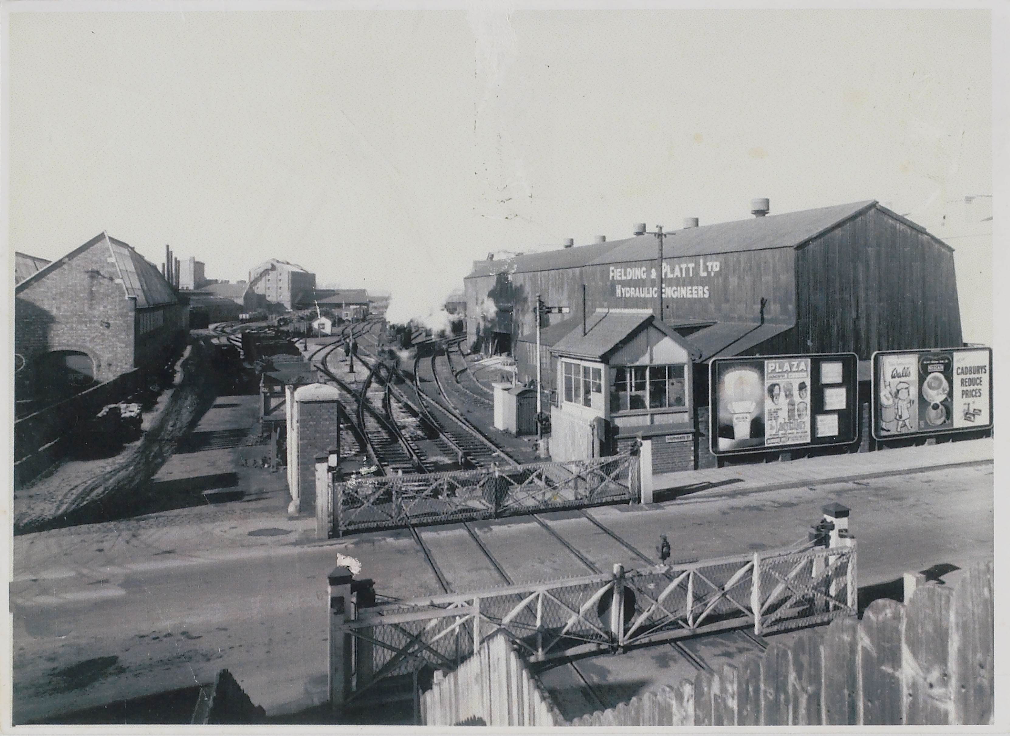 View from Southgate Street c.1950 (D8489)